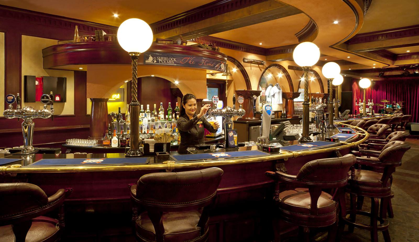 gulf hotel bahrain best restaurants and dining english pub sherlock holmes
