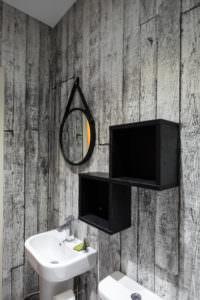 Standard One Bedroom Apartment bathroom